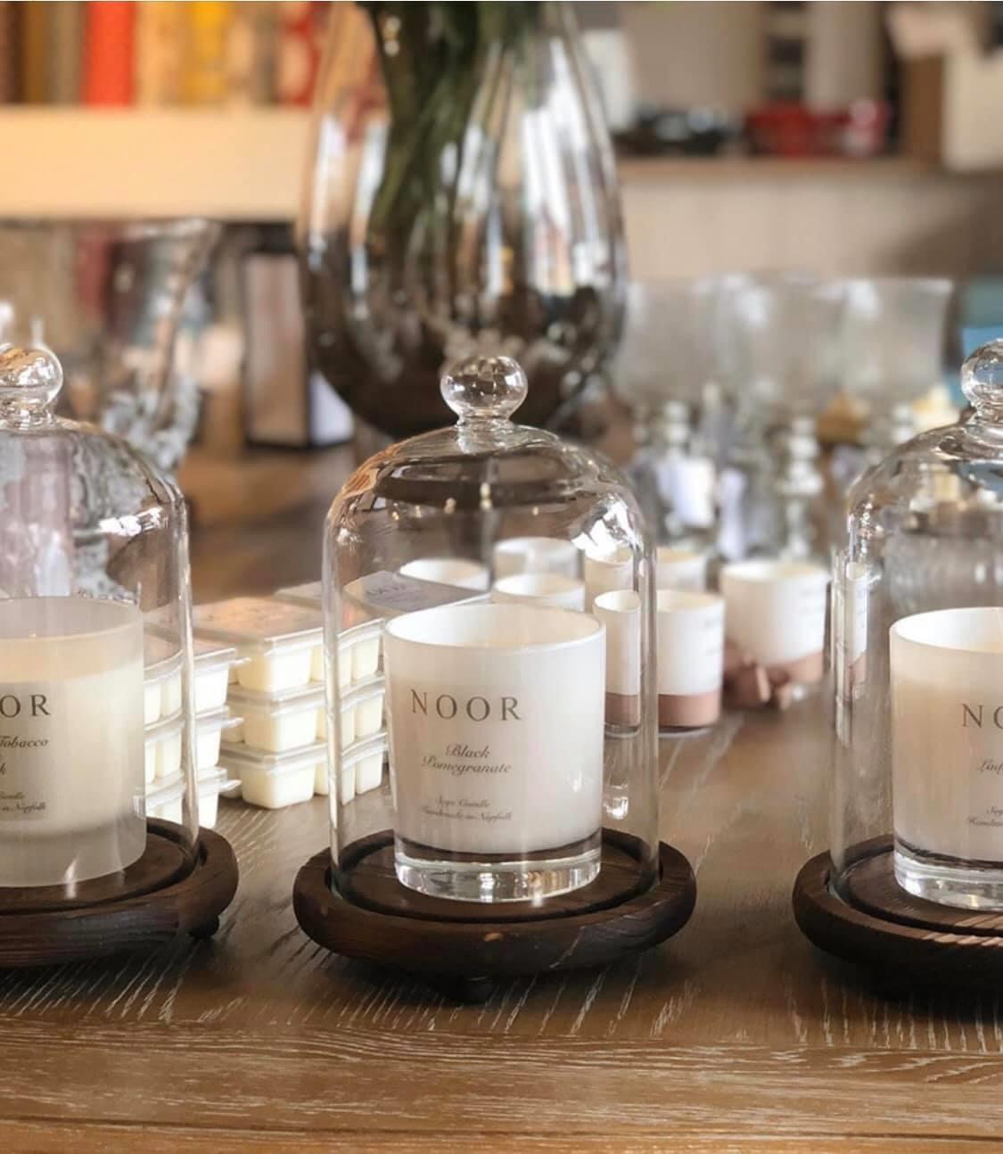 Luxury candle in bergamot and English pear