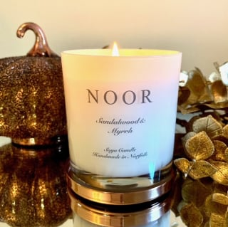 Luxury Candle in Sandalwood and Mryhh